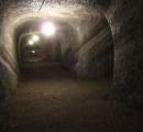 館山には地層の模様が綺麗な地下壕跡があるらしい