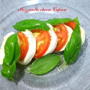 モッツァレラチーズがあるならこれ!トマトとバジルでカプレーゼ