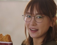 新垣結衣(30)「へぇ…本田翼ちゃんがYouTuberになって3日で100万人登録いったんだ…ふーん」