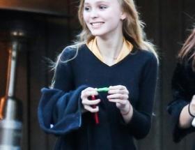 ジョニーデップの15歳娘wwwwwwww