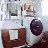 『【Web内覧会】コンパクトな洗面所全体の様子をご紹介』の画像