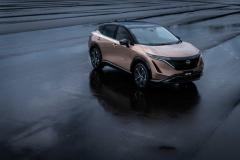 日産、新型EV「アリア」発表! 航続距離最大610km、約500万円~
