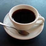 男「コーヒーはブラックに限るな」女「かっこつけてるだけでしょ?」