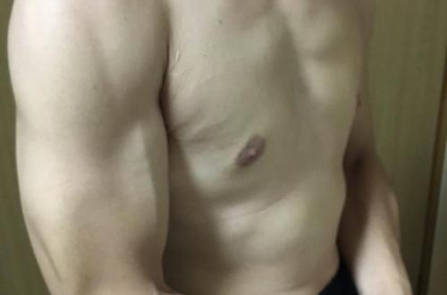 筋トレ半年したわいの体wwwwwwwwwwwwwwのサムネイル画像
