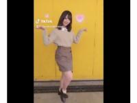 【日向坂46】「真似して」小坂菜緒がキュートに踊る「キュンキュンダンス」