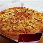 台風21号、「宅配ピザ」ドライバーを吹き飛ばす…弁護士「普通はやらせない」