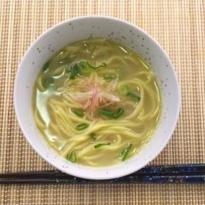 じっくり煮込んだ満足の一品!鶏白湯スープでラーメン