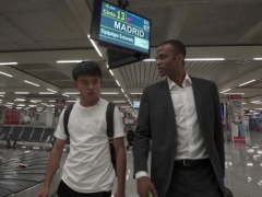 【 画像 】久保建英、マジョルカの空港に到着した模様!