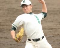 二松学舎大付エース秋山 正雲(せいうん)  スカウト8球団の前で1失点完投「チェンジアップが良かった」