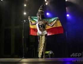 【画像】第1回「ミス・アフリカ」の優勝者(24)をご覧ください