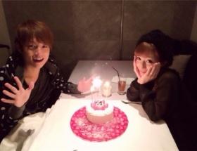 【悲報】 辻希美さんがまた炎上… レストランで結婚記念日を偽り、記念写真まで撮影