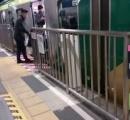 白杖ついた女性、ホームから転落し電車に轢かれて死亡 京成立石駅