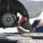 『「交換しないと危険」 ガソリンスタンド「不安あおる」整備トラブル相談急増』の画像