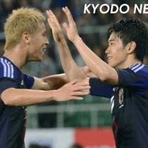 本田圭佑「僕と(香川)真司だけよくても世界一になれない。周りに絡んでくる選手も質を高めないといけない」
