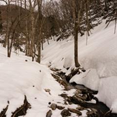残雪の明神平でテント泊 残雪の明神平を堪能【1日目】