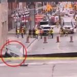 【動画】カナダ、首都中心部に超巨大陥没穴!水道管破裂!車がズドーン! [海外]