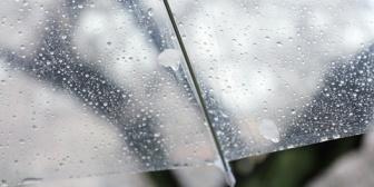 ちょっといいなと思ってた彼が、雨の日の待ち合わせに傘もささずに登場!急に降り始めたわけじゃないのになぜ?