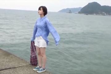 平手友梨奈さんの乳が欅の写真集女王ねるちゃんよりご成長されてしまう…wwwwwwww