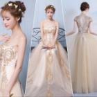 『アルカドレスは、あなたの感性に合うドレスが勢揃いしています』の画像