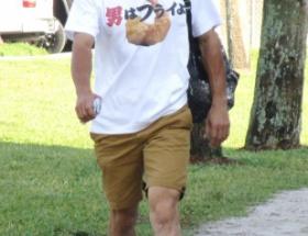 【画像】イチローがTシャツネタで豪快に滑る