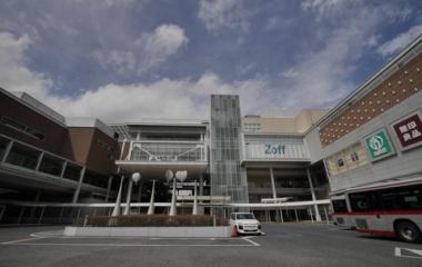 『たまプラーザ駅前と桜 2020/04/05』の画像