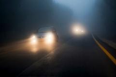 眩しいの声多数でも「ハイビーム」推奨の訳 オートライトが義務化「そうまでしないと事故は防ぎきれない」