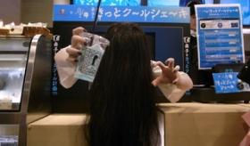 【日本のホラー】   日本の ファーストフードのカウンターが めちゃくちゃ怖いことになってるんだが。    海外の反応