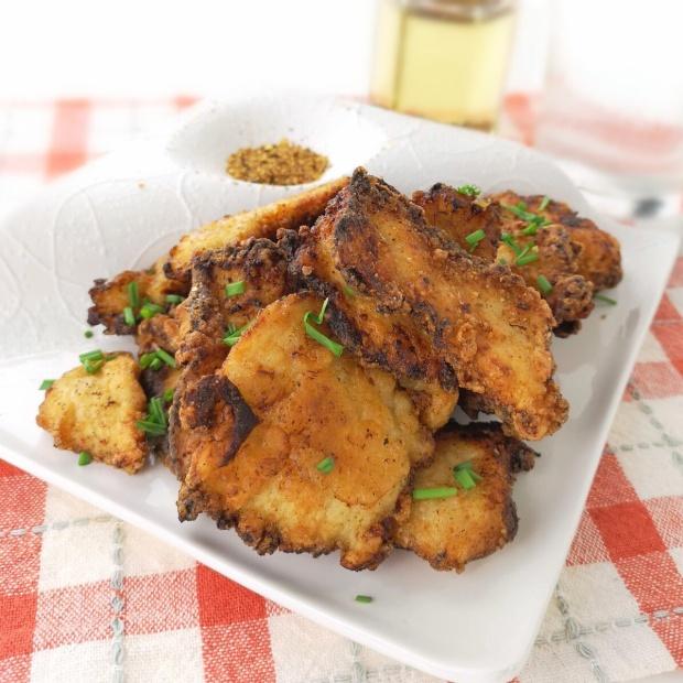 そぎ切りにして食べやすく♪鶏むね肉の味噌唐揚
