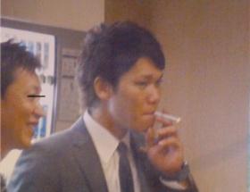 巨人坂本タバコを吸うww