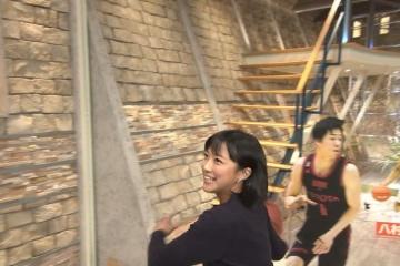 【画像】身長162cmの竹内由恵アナ(33)、ダンクシュートを決める