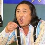 ロバート秋山が新CMでは女性キャスターに変身www