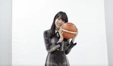 【速報】記念すべき第1回に乃木坂46新センター賀喜遥香が選ばれる!「月刊バスケットボール アイドル×バスケ」