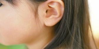 【いい話】子供6歳と4歳がいるんだけど、両耳が軽度難聴の私「ママ今の聞こえなかった~。何て言ったの?」→すると…