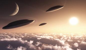 【重要】ヒラリー側近の極秘UFOメールが続々流出!ロズウェル、ニビル、零点エネルギー、バチカンと宇宙人…!!