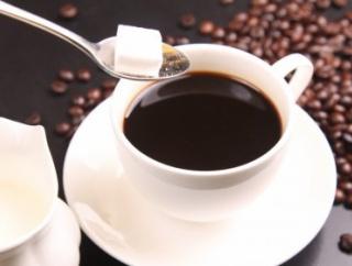 1日6杯程度のコーヒー摂取、認知症になる可能性5割高まる