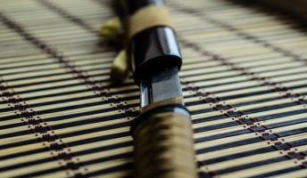 【呪い?】英国の日本刀コレクターが、とある日本刀を手にしてから様子がおかしくなり切腹し自殺【妖刀?】