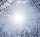 恐ろしい魔の前兆…「花粉光環」が観測される