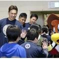 マー君 仙台の小学校で交流イベント「それぞれ目標を持っていて良かった」