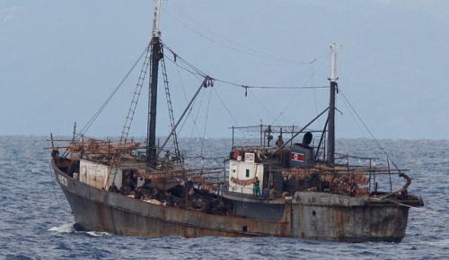 北朝鮮船がロシア国境警備艇を攻撃して拿捕される(海外の反応)