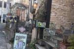 星田南病院の近くに猫な『アブニールブリアン』っていうカフェがある!〜お店にはグッズ、本、それから・・・猫がたくさん!〜