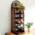 籐の持つ曲線美と天然素材のやさしさで、玄関まわりの…