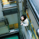 『【乃木坂46】開演前の楽屋の窓からひょっこり顔を出す生田絵梨花が可愛すぎるwwwww』の画像