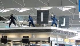 【忍者がいます】   日本の空港に、忍者が置いてあるんだが  海外の反応