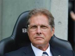 組長、再び!浦和レッズ、オリヴェイラ監督の契約解除を発表!