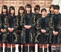 【欅坂46】2016年紅白の衣装は華があってかわいかった