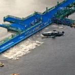 【東京五輪】トライアスロン男子、スタートの合図が出るも目の前にボートがいて飛び込めず、あわや大事故に