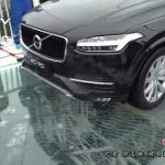 【動画】中国、ガラスの吊り橋、ハンマーで叩き亀裂入ったガラス上を車で走行 [海外]
