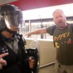 【中国】香港警察に逮捕された白人のパックマンおじさんを「米CIA幹部逮捕」と報道 [海外]