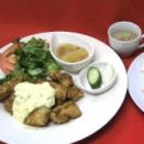今日のランチは大好評のチキン南蛮タルタルソースソースで決まり!