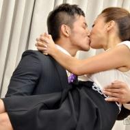 あびる優、結婚会見で公開キス&お姫様抱っこwwwwwwwwwwww【画像】 アイドルファンマスター